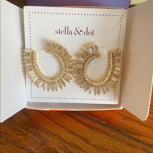 NEW & Never worn Stella & Dot earrings